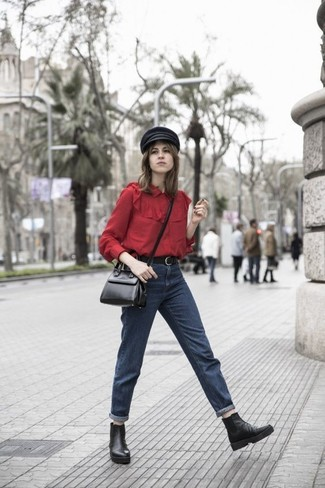 Dunkelblaue Boyfriend Jeans kombinieren – 395 Damen Outfits: Diese Kombination aus einer roten Bluse mit Knöpfen und dunkelblauen Boyfriend Jeans bietet die ideale Balance zwischen legerem Trend-Look und zeitgenössische Charme. Fühlen Sie sich mutig? Vervollständigen Sie Ihr Outfit mit schwarzen Chelsea Boots aus Leder.
