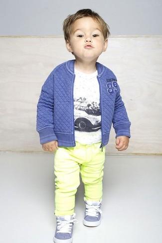 Gelbe Jeans kombinieren: trends 2020: