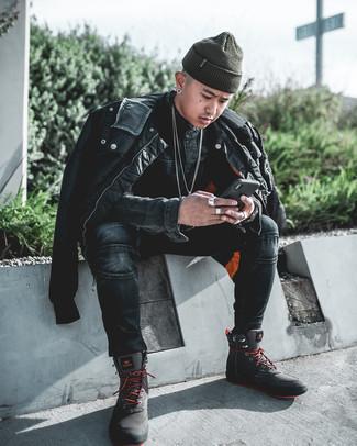 Schwarze Bomberjacke kombinieren – 500+ Herren Outfits: Kombinieren Sie eine schwarze Bomberjacke mit dunkelgrauen engen Jeans, um mühelos alles zu meistern, was auch immer der Tag bringen mag. Suchen Sie nach leichtem Schuhwerk? Komplettieren Sie Ihr Outfit mit dunkelgrauen Segeltucharbeitsstiefeln für den Tag.