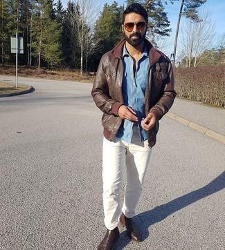 Braune Sonnenbrille kombinieren – 1200+ Herren Outfits: Kombinieren Sie eine dunkelbraune Leder Bomberjacke mit einer braunen Sonnenbrille für einen entspannten Wochenend-Look. Fühlen Sie sich ideenreich? Entscheiden Sie sich für dunkelbraunen Chelsea Boots aus Leder.