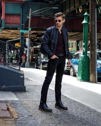 Schwarzen geflochtenen Ledergürtel kombinieren: Vereinigen Sie eine dunkelblaue Bomberjacke mit einem schwarzen geflochtenen Ledergürtel für einen entspannten Wochenend-Look. Fühlen Sie sich mutig? Ergänzen Sie Ihr Outfit mit einer schwarzen Lederfreizeitstiefeln.