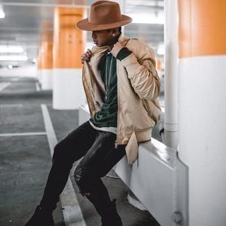 Schwarze enge Jeans mit Destroyed-Effekten kombinieren – 500+ Herren Outfits: Kombinieren Sie eine hellbeige Bomberjacke mit schwarzen engen Jeans mit Destroyed-Effekten für einen entspannten Wochenend-Look. Fühlen Sie sich mutig? Entscheiden Sie sich für schwarzen Chelsea Boots aus Wildleder.