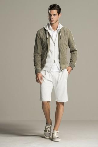 weißer Pullover mit einem Kapuze von Spalding