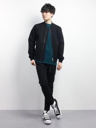 Schwarzen Segeltuchgürtel kombinieren – 164 Herren Outfits: Kombinieren Sie eine schwarze Bomberjacke mit einem schwarzen Segeltuchgürtel für einen entspannten Wochenend-Look. Fügen Sie schwarzen und weißen Segeltuch niedrige Sneakers für ein unmittelbares Style-Upgrade zu Ihrem Look hinzu.