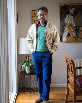 Rotes Langarmhemd kombinieren – 404 Herren Outfits: Kombinieren Sie ein rotes Langarmhemd mit blauen Jeans für ein bequemes Outfit, das außerdem gut zusammen passt. Dunkelbraune Chukka-Stiefel aus Wildleder sind eine großartige Wahl, um dieses Outfit zu vervollständigen.