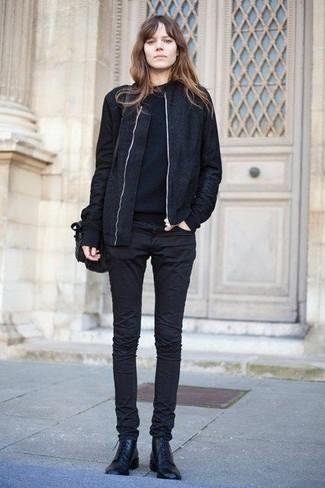schwarzer Pullover mit einem Rundhalsausschnitt von Prada