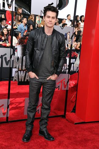 Bomberjacke schwarze t shirt mit rundhalsausschnitt dunkelgraues jeans dunkelgraue large 1973