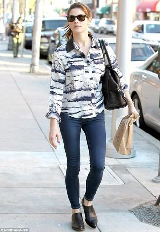 Businesshemd weisses und schwarzes enge jeans dunkelblaue chelsea stiefel schwarze large 1001