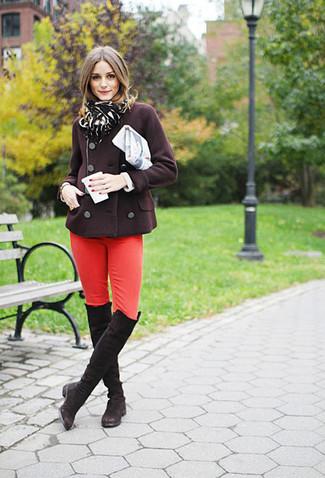 Schwarzen Schal mit Leopardenmuster kombinieren (4 Outfits