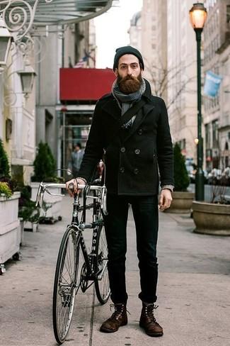 Wie kombinieren: schwarze Cabanjacke, schwarze enge Jeans, dunkelbraune Lederfreizeitstiefel, schwarze Segeltuch Umhängetasche