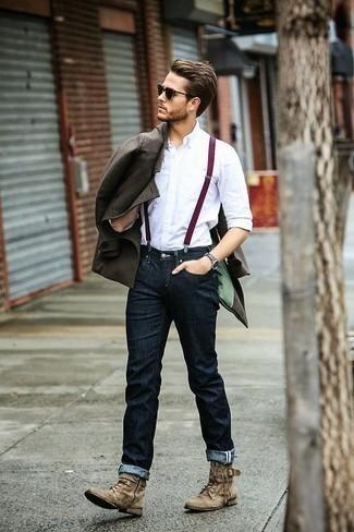 Beige Wildlederfreizeitstiefel kombinieren: trends 2020: Entscheiden Sie sich für eine braune Cabanjacke und dunkelblauen Jeans für Ihren Bürojob. Eine beige Wildlederfreizeitstiefel sind eine ideale Wahl, um dieses Outfit zu vervollständigen.