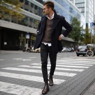 dunkelbrauner Pullover mit einem V-Ausschnitt von Maerz