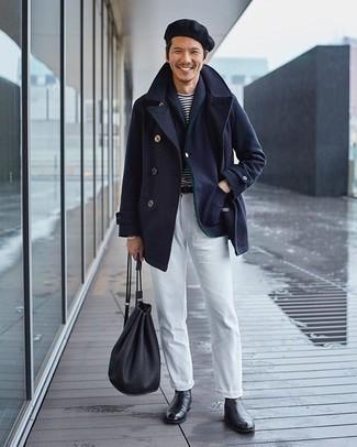 Weiße Chinohose kombinieren – 500+ Herren Outfits: Kombinieren Sie eine dunkelblaue Cabanjacke mit einer weißen Chinohose für Ihren Bürojob. Setzen Sie bei den Schuhen auf die klassische Variante mit schwarzen Chelsea Boots aus Leder.