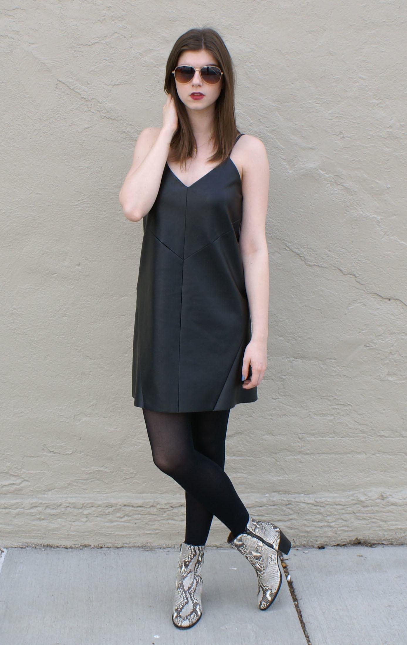 Blickfang Stiefeletten Zum Kleid Ideen Von Entscheiden Sie Sich Für Ein Schwarzes Camisole-kleid