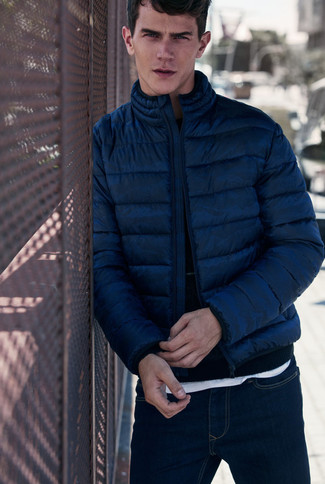 dunkelblauer Pullover mit einem Rundhalsausschnitt von Salvatore Ferragamo