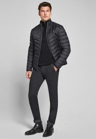 Pullover mit einem Reißverschluss am Kragen kombinieren – 247 Herren Outfits: Tragen Sie einen Pullover mit einem Reißverschluss am Kragen und eine schwarze Chinohose, um einen lockeren, aber dennoch stylischen Look zu erhalten. Schwarze Chelsea Boots aus Leder sind eine einfache Möglichkeit, Ihren Look aufzuwerten.