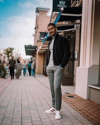 Schwarze Daunenjacke kombinieren: trends 2020: Entscheiden Sie sich für eine schwarze Daunenjacke und eine graue Wollanzughose für eine klassischen und verfeinerte Silhouette. Suchen Sie nach leichtem Schuhwerk? Entscheiden Sie sich für weißen und roten niedrige Sneakers für den Tag.