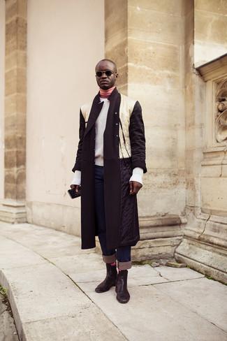 Fuchsia Socken kombinieren: Kombinieren Sie einen weißen und schwarzen Daunenmantel mit fuchsia Socken für einen entspannten Wochenend-Look. Komplettieren Sie Ihr Outfit mit schwarzen Chelsea-Stiefeln aus Leder, um Ihr Modebewusstsein zu zeigen.