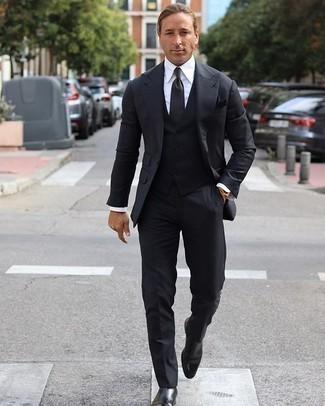 Einstecktuch kombinieren – 500+ Herren Outfits: Vereinigen Sie einen schwarzen Dreiteiler mit einem Einstecktuch für ein großartiges Wochenend-Outfit. Schwarze Chelsea Boots aus Leder sind eine einfache Möglichkeit, Ihren Look aufzuwerten.