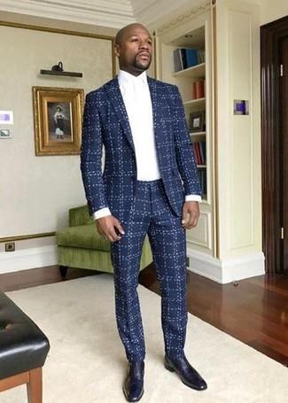 Wie kombinieren: dunkelblauer Anzug mit Karomuster, weißes Businesshemd, dunkelblaue Leder Oxford Schuhe