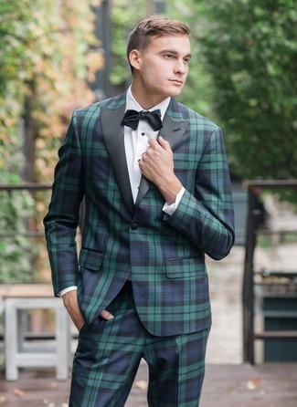 Schwarze Fliege kombinieren: Paaren Sie einen dunkelblauen und grünen Anzug mit Schottenmuster mit einer schwarzen Fliege für einen bequemen Alltags-Look.