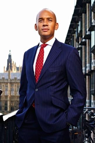 Dunkelblauer vertikal gestreifter anzug weisses businesshemd rote gepunktete krawatte large 22104