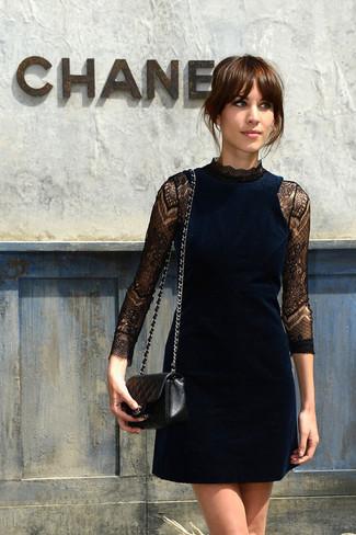 Blaues Cocktailkleid für Damen kombinieren: Modetrends und Outfits ...