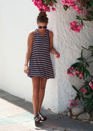 74d33d3d1ea9 Dunkelblaues horizontal gestreiftes Kleid kombinieren (9 ...