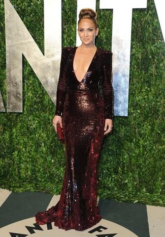 Jennifer Lopez trägt Dunkelrotes Paillette Ballkleid, Dunkelrote Leder Clutch