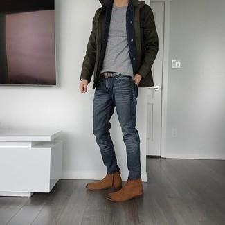 Braune Wildlederfreizeitstiefel kombinieren – 452 Herren Outfits: Vereinigen Sie eine dunkelgrüne Feldjacke mit dunkelgrauen Jeans für ein bequemes Outfit, das außerdem gut zusammen passt. Komplettieren Sie Ihr Outfit mit einer braunen Wildlederfreizeitstiefeln, um Ihr Modebewusstsein zu zeigen.