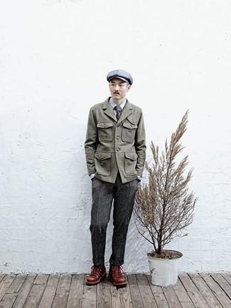 Schiebermütze kombinieren – 571+ Herren Outfits: Kombinieren Sie eine olivgrüne Feldjacke mit einer Schiebermütze für einen entspannten Wochenend-Look. Ergänzen Sie Ihr Look mit braunen Lederarbeitsstiefeln.