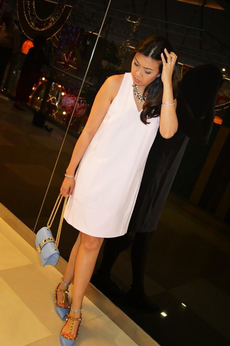 Rosa kleid mit blau kombinieren