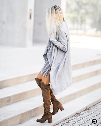 Wie braune Schuhe mit grauen Kleides zu kombinieren (22