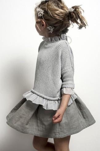 Wie kombinieren: grauer Pullover, grauer Rock