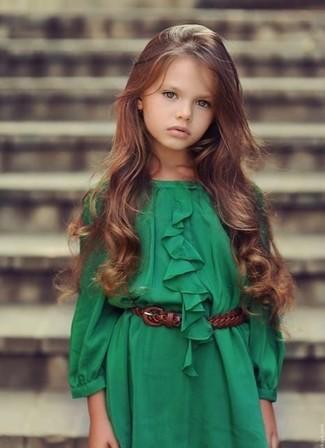 Wie kombinieren: grünes Kleid