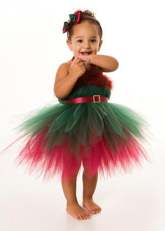 Wie kombinieren: grünes und rotes Kleid mit Weihnachten Muster