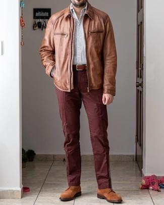 Braune Wildlederfreizeitstiefel kombinieren – 363 Herren Outfits: Kombinieren Sie eine braune Harrington-Jacke mit einer braunen Chinohose, um mühelos alles zu meistern, was auch immer der Tag bringen mag. Komplettieren Sie Ihr Outfit mit einer braunen Wildlederfreizeitstiefeln, um Ihr Modebewusstsein zu zeigen.