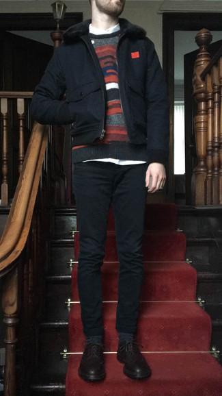 Schwarze Harrington-Jacke kombinieren – 48 Herren Outfits: Vereinigen Sie eine schwarze Harrington-Jacke mit schwarzen Jeans für ein Alltagsoutfit, das Charakter und Persönlichkeit ausstrahlt. Putzen Sie Ihr Outfit mit dunkelbraunen Leder Brogues.
