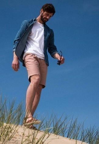 Sandalen kombinieren – 708+ Herren Outfits: Tragen Sie ein dunkelblaues Jeanshemd und rosa Shorts für einen bequemen Alltags-Look. Fühlen Sie sich ideenreich? Ergänzen Sie Ihr Outfit mit Sandalen.