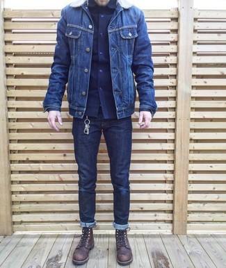 Wie kombinieren: dunkelblaue Jeansjacke, dunkelblaues Langarmhemd, dunkelblaue Jeans, dunkelbraune Lederfreizeitstiefel
