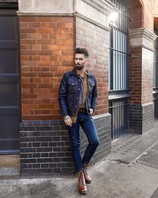 Beige Kurzarmhemd kombinieren – 265 Herren Outfits: Entscheiden Sie sich für Komfort in einem beige Kurzarmhemd und dunkelblauen engen Jeans. Entscheiden Sie sich für eine braune Lederfreizeitstiefel, um Ihr Modebewusstsein zu zeigen.
