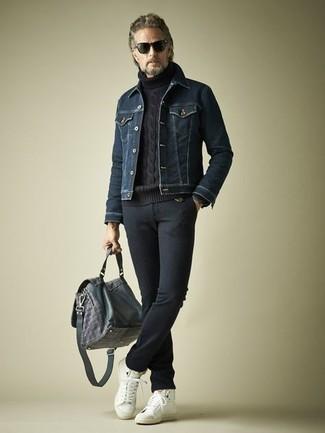 dunkelblauer Pullover von BLEND