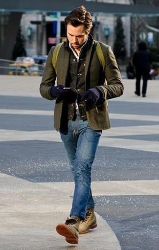 Wie kombinieren: dunkelgraue Jeansjacke, olivgrünes Wollsakko, weißes Langarmhemd, blaue Jeans