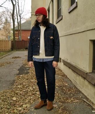Weißen Strickpullover kombinieren – 169 Herren Outfits: Vereinigen Sie einen weißen Strickpullover mit dunkelblauen Jeans, um mühelos alles zu meistern, was auch immer der Tag bringen mag. Komplettieren Sie Ihr Outfit mit braunen Chelsea Boots aus Wildleder, um Ihr Modebewusstsein zu zeigen.