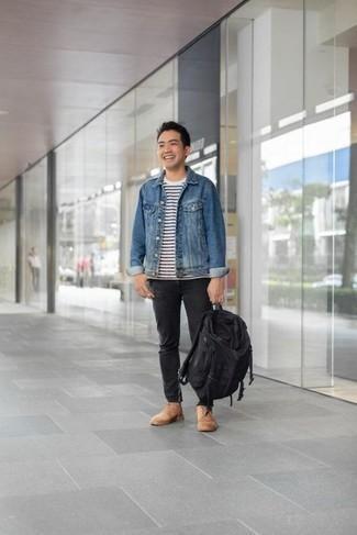 Beige Wildlederfreizeitstiefel kombinieren: trends 2020: Die Paarung aus einer blauen Jeansjacke und schwarzen Jeans ist eine komfortable Wahl, um Besorgungen in der Stadt zu erledigen. Fühlen Sie sich mutig? Komplettieren Sie Ihr Outfit mit einer beige Wildlederfreizeitstiefeln.