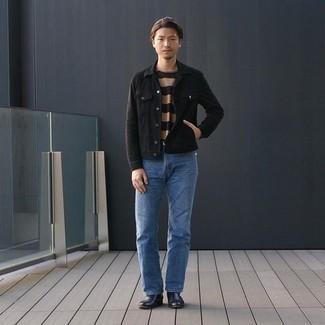 Herbst Outfits Herren 2020: Kombinieren Sie eine schwarze Jeansjacke mit blauen Jeans, um einen lockeren, aber dennoch stylischen Look zu erhalten. Machen Sie Ihr Outfit mit schwarzen Chelsea Boots aus Leder eleganter. Schon ergibt sich ein stylischer Herbst-Look.