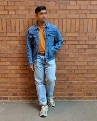 Blaue Jeansjacke kombinieren – 500+ Herren Outfits: Vereinigen Sie eine blaue Jeansjacke mit hellblauen Jeans für ein Alltagsoutfit, das Charakter und Persönlichkeit ausstrahlt. Graue Sportschuhe verleihen einem klassischen Look eine neue Dimension.