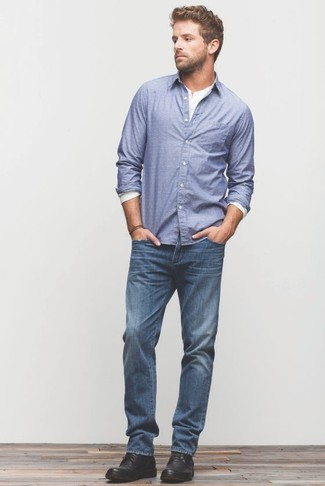 Schwarzes hemd blaue jeans