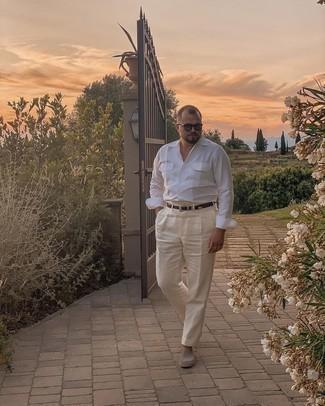 Dunkelbraunen geflochtenen Ledergürtel kombinieren – 500+ Herren Outfits: Kombinieren Sie ein weißes Langarmhemd mit einem dunkelbraunen geflochtenen Ledergürtel für einen entspannten Wochenend-Look. Fühlen Sie sich mutig? Vervollständigen Sie Ihr Outfit mit grauen Segeltuch Espadrilles.