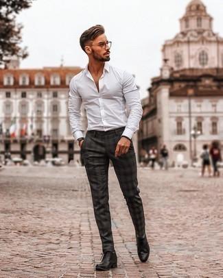 Schwarze Uhr kombinieren – 500+ Herren Outfits: Kombinieren Sie ein weißes Langarmhemd mit einer schwarzen Uhr für einen entspannten Wochenend-Look. Fühlen Sie sich ideenreich? Wählen Sie schwarzen Leder Oxford Schuhe.